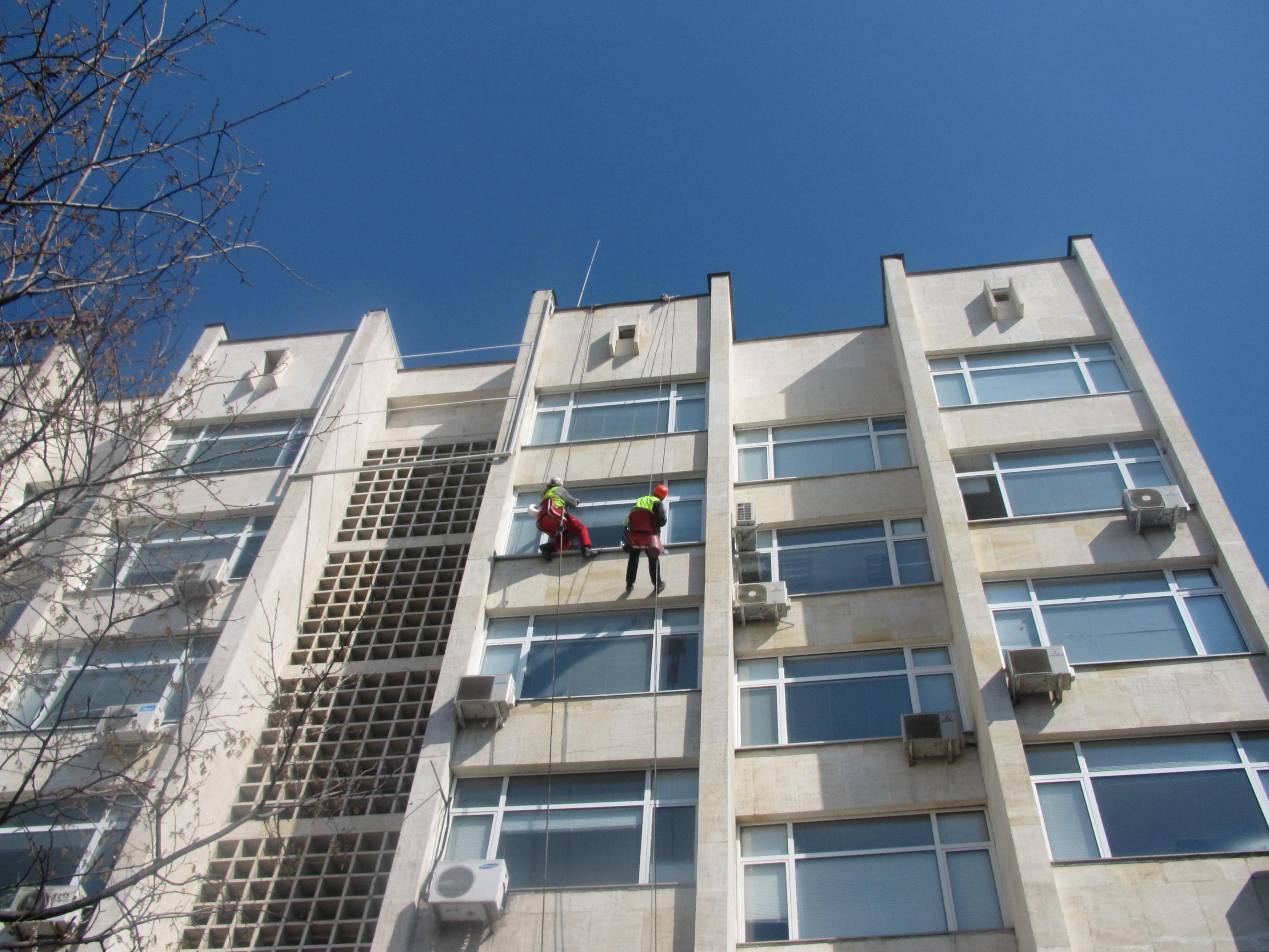 почистване с алпинисти
